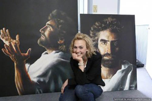 Krimarik Akiane with paintings age 17 2011 300x200